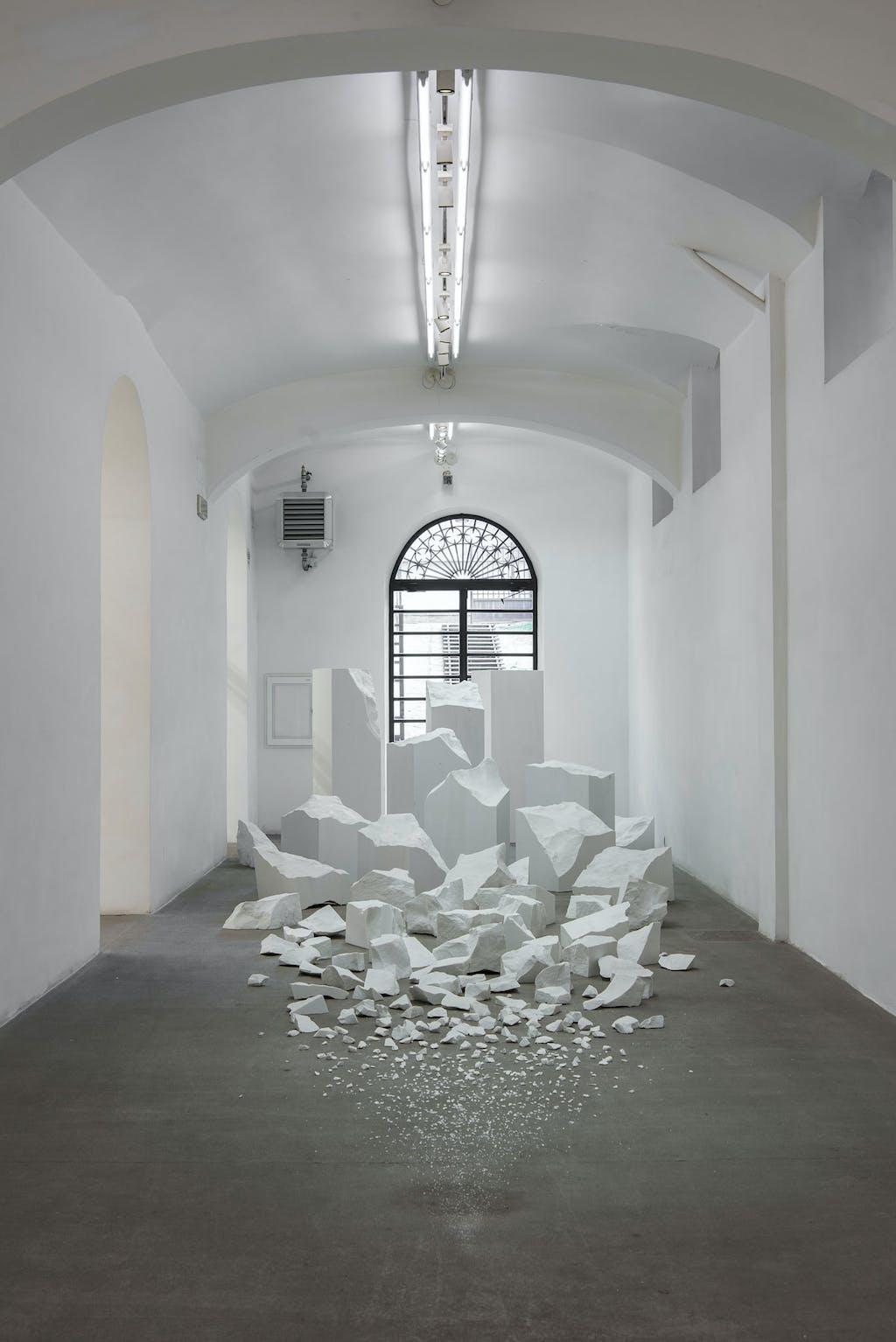 Exhibition view, Fondazione Giuliani, Rome - © kamel mennour