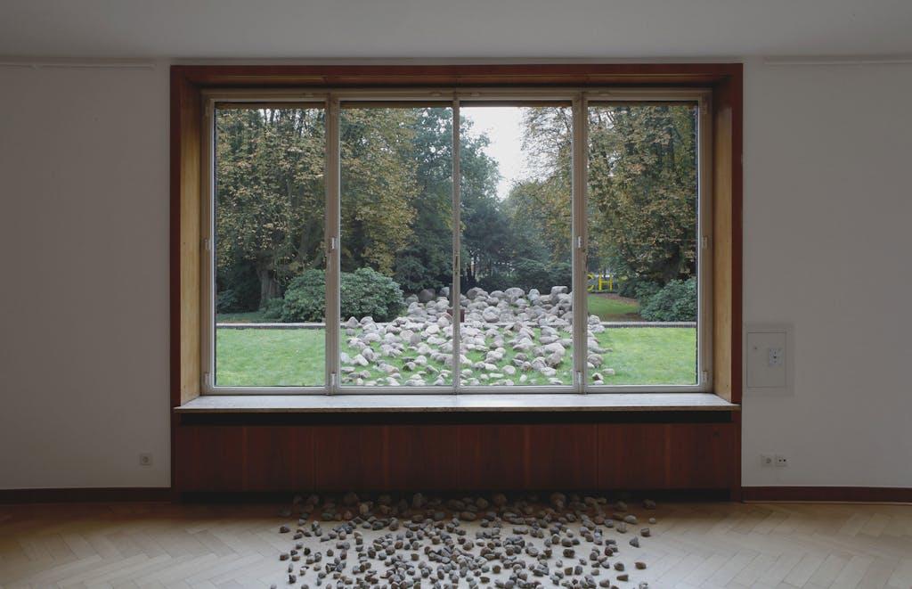 Exhibition view, Museum Haus Esters, Krefeld - © kamel mennour
