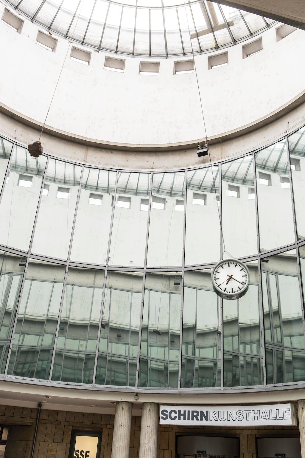 Exhibition view, Schirn Kunsthalle Frankfurt - © kamel mennour