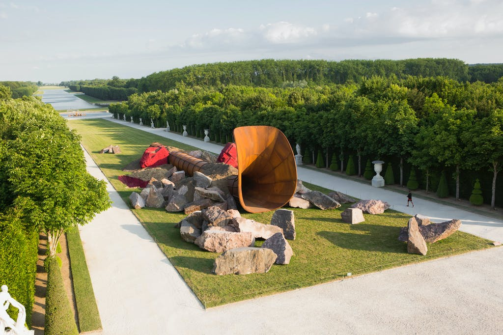 Exhibition view, Château de Versailles - © kamel mennour