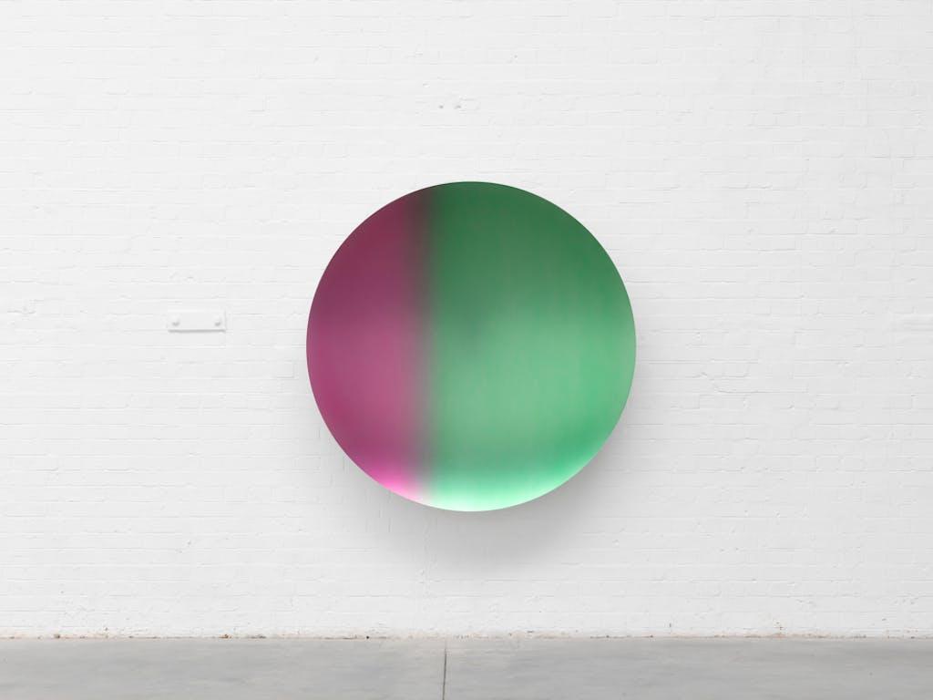 Glisten (Pink to Green Satin) - © kamel mennour