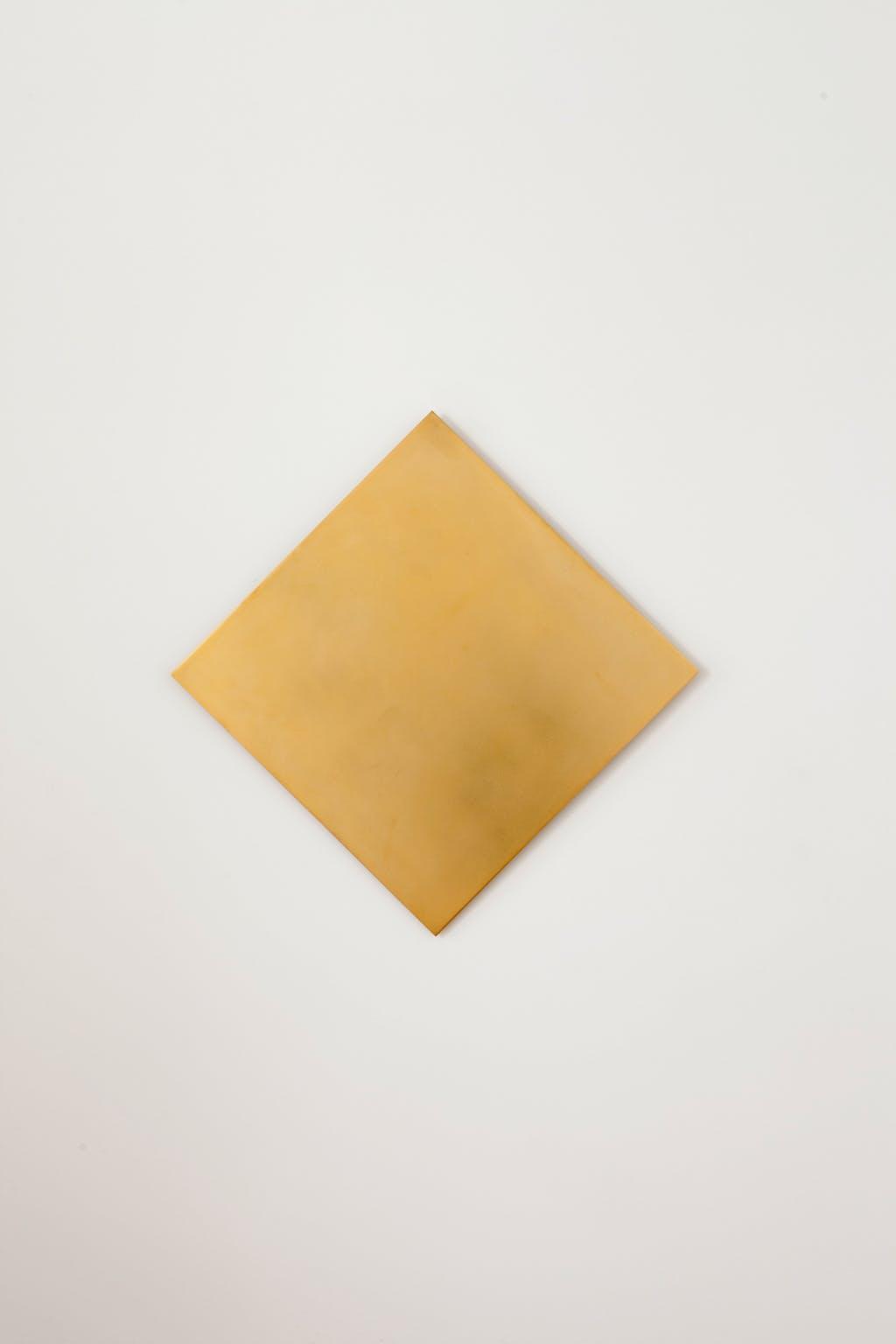 Concordant Golden Square 45° turned - © kamel mennour