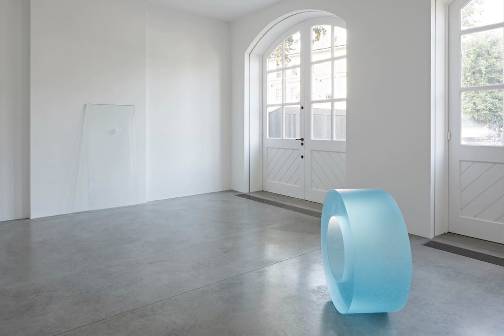 Exhibition view, South London Gallery, London - © kamel mennour