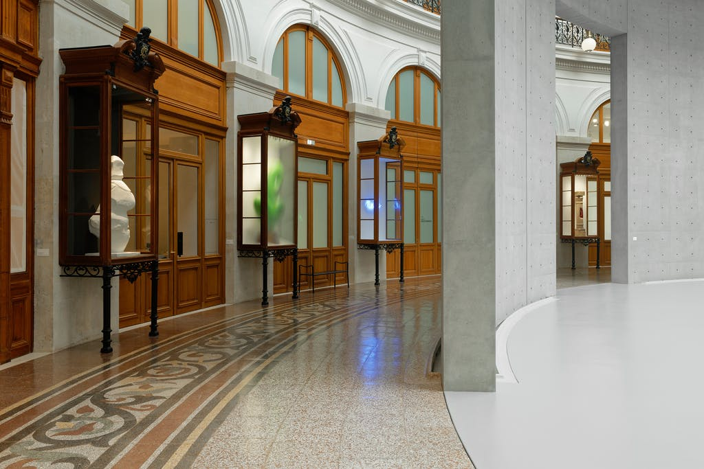 Exhibition view, Bourse de Commerce  — Pinault Collection, Paris - © kamel mennour