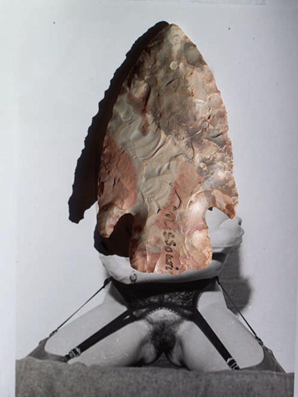 Collection Préhistorique (Femme aux porte-jarretelles et grande pointe) - © kamel mennour