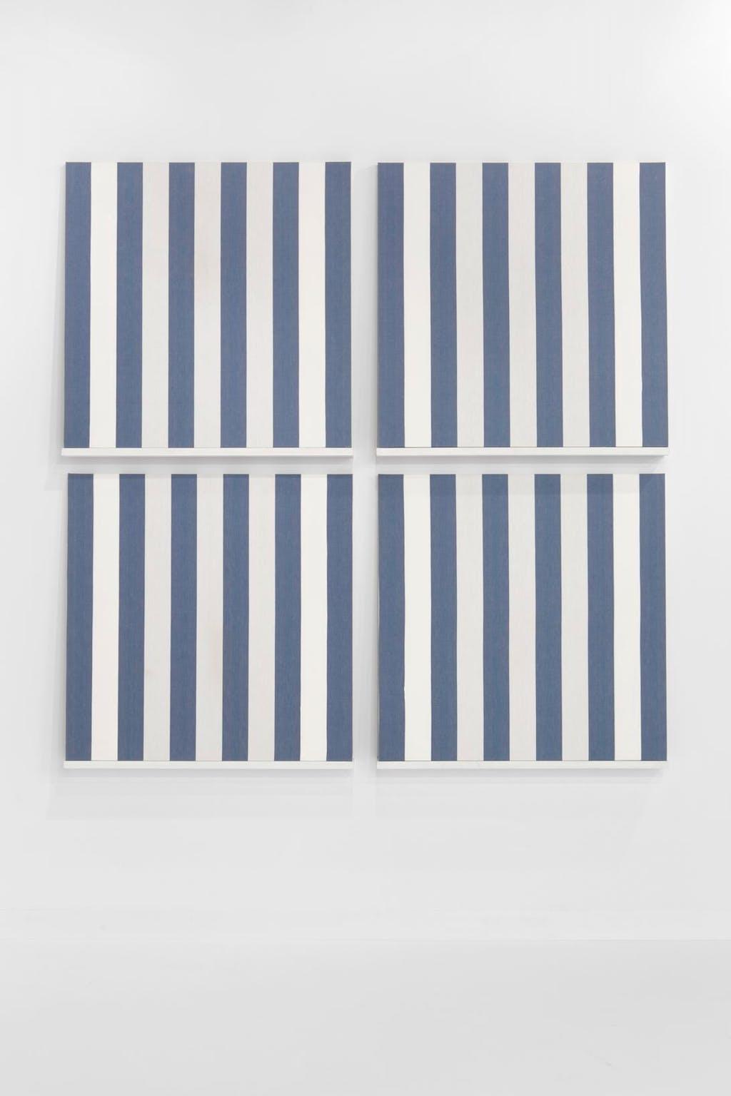 Les Tableaux, quatre éléments, bleu marine, situated work - © kamel mennour