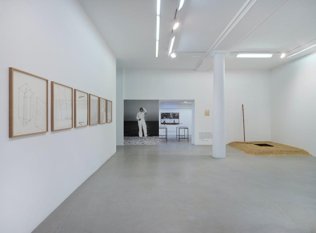 """View of the exhibition """"Terre protégée"""", kamel mennour (47 rue Saint André des Arts), Paris 6, 2018-2019 © ADAGP Gina Pane Photo. archives kamel mennour Courtesy Anne Marchand and kamel mennour, Paris/London - © kamel mennour"""
