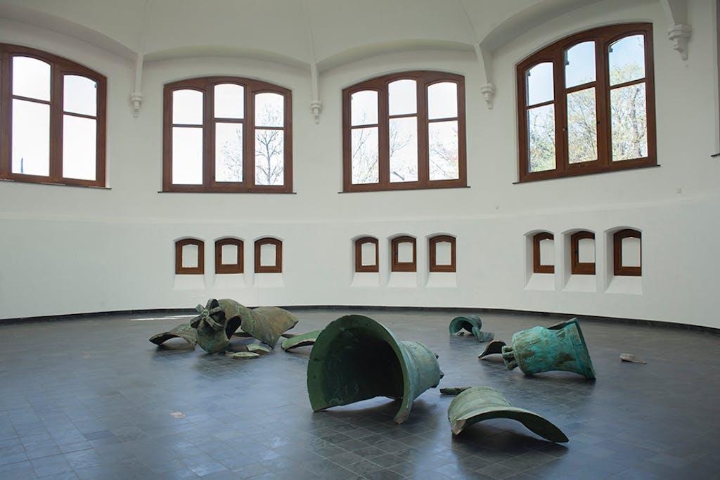 Exhibition view, Kiosk, Ghent - © kamel mennour