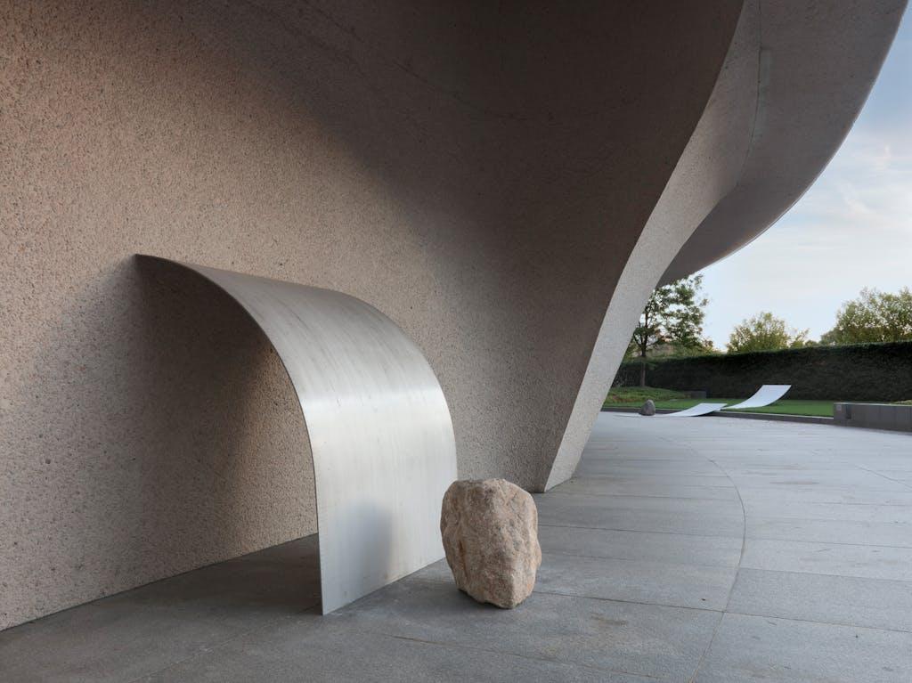 Exhibition view, Hirshhorn Museum - © kamel mennour