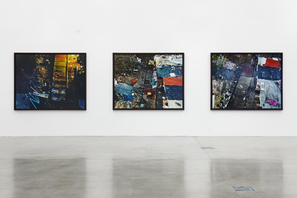 Exhibition view, FRAC PACA, Marseille - © kamel mennour