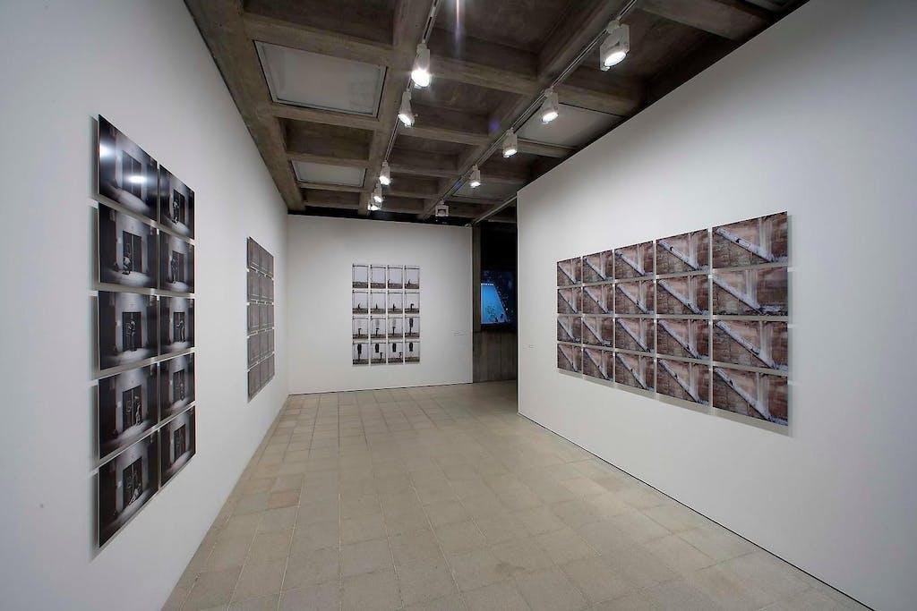 Exhibition view, Hayward Gallery, London - © kamel mennour