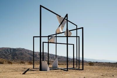 Alicja Kwade - Desert X - © kamel mennour