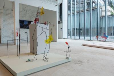 Neïl Beloufa - K11 Art Foundation - © kamel mennour