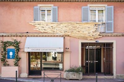 Tadashi Kawamata - Lucas Ratton Saint-Tropez - © kamel mennour